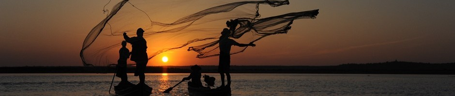 Headerbild: Myanmar Fisher im Sonnenuntergang am Inle Lake